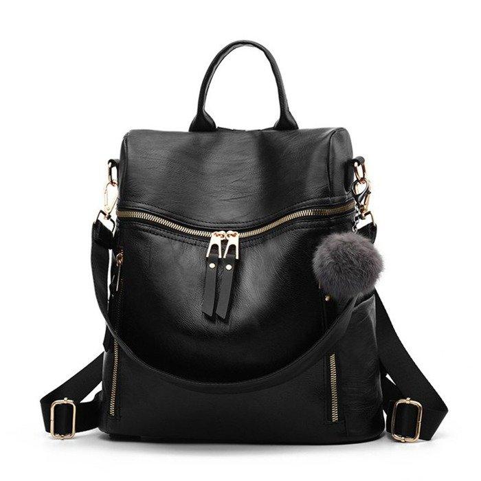 084ef2a6c7ec3 ... Czarna plecako torba z pomponem ...